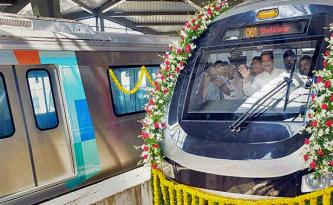 Mumbai Metro with CM Prithviraj Chavan